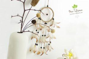 Attrape-rêve à plumes et perles